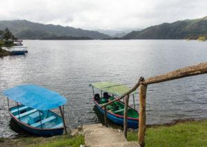 Boote am Hanabanilla Stausee