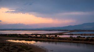 Sonnenuntergang über den Salinen im Ebrodelta